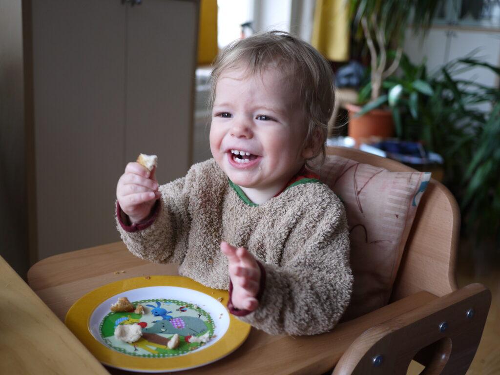 Einjähriger Junge mit ADNP-Syndrom